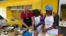 Maennerkochgruppe kocht mit Fluechtlingen_15