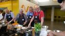 Maennerkochgruppe kocht mit Fluechtlingen_22