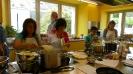 Maennerkochgruppe kocht mit Fluechtlingen_23