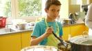 Maennerkochgruppe kocht mit Fluechtlingen_24