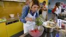 Maennerkochgruppe kocht mit Fluechtlingen_28