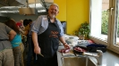 Maennerkochgruppe kocht mit Fluechtlingen_30