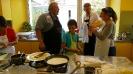 Maennerkochgruppe kocht mit Fluechtlingen_40